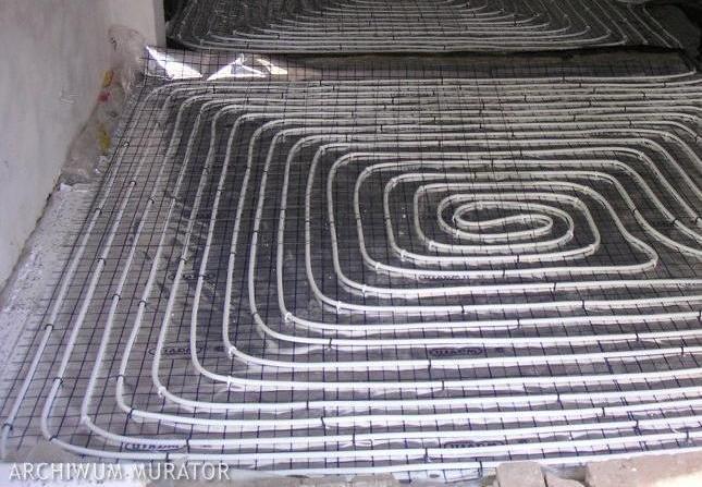 Wykonanie ogrzewania podłogowego: jak poprawnie układać rury, wykonanie wylewki, odpowietrzanie