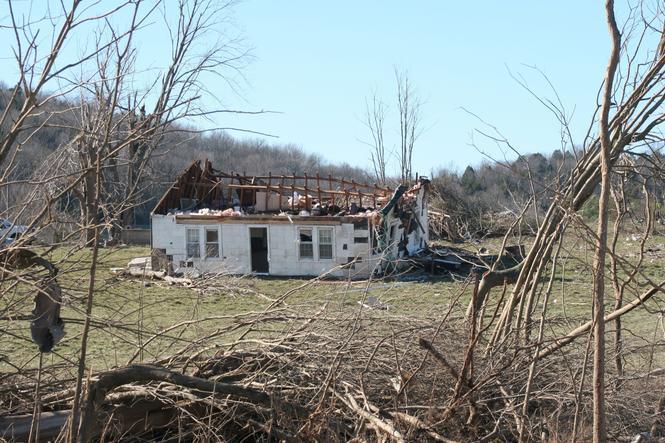 Dach zniszczony przez huragan