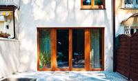 Szerokie okna balkonowe