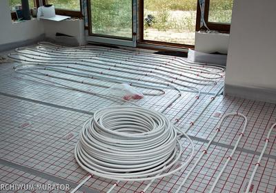 Zastanawiasz się nad instalacją ogrzewania podłogowego? Poznaj jego zalety i możliwości