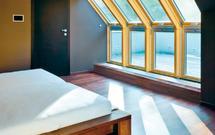 Pokój na poddaszu pełen światła dziennego? Aranżacja sypialni na poddaszu
