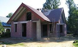Z piwnicą czy bez? Murowane czy drewniane? Jakie domy budują Polacy. Poznaj wyniki sondażu