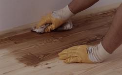 Odnawianie podłogi drewnianej. Renowacja parkietu i desek podłogowych