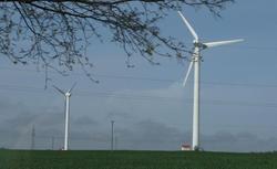 Co to jest elektrownia wiatrowa i gdzie można ją wybudować? Jak przepisy omawiają tematykę inwestycji w zakresie elektrowni wiatrowych?